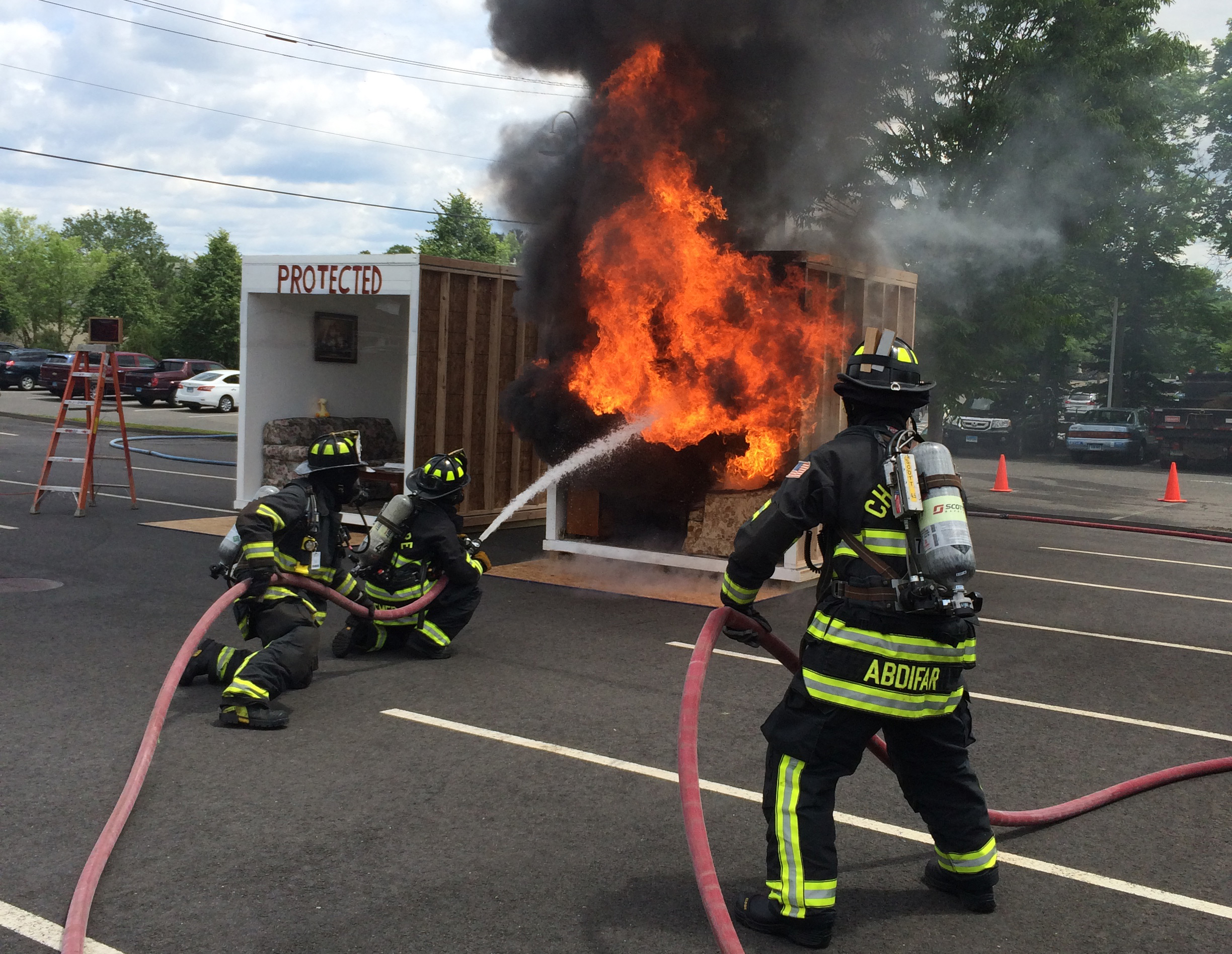 Connecticut Fire Sprinkler Coalition burn and sprinkler demo